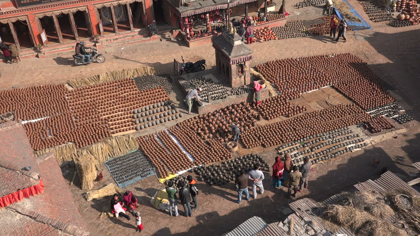 pottery making in Bhaktapur