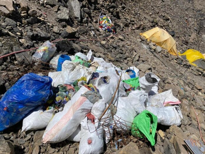 900 kg garbage collected from Mt Manaslu