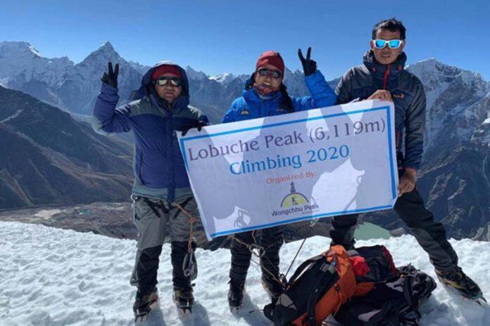 Nepali climbers scale Lobuche peak