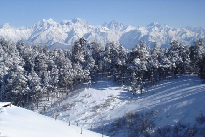 Snowfall in Khaptad luring domestic tourists