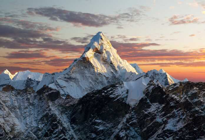 43 teams to scale Mt Everest