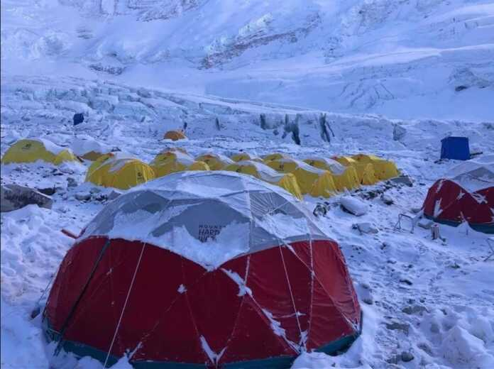 Rope fixing team to leave base camp