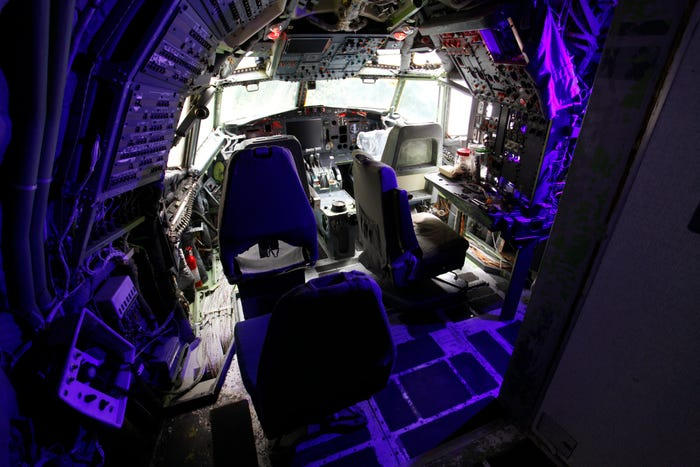 """cockpit serves as a """"cyber office,"""""""
