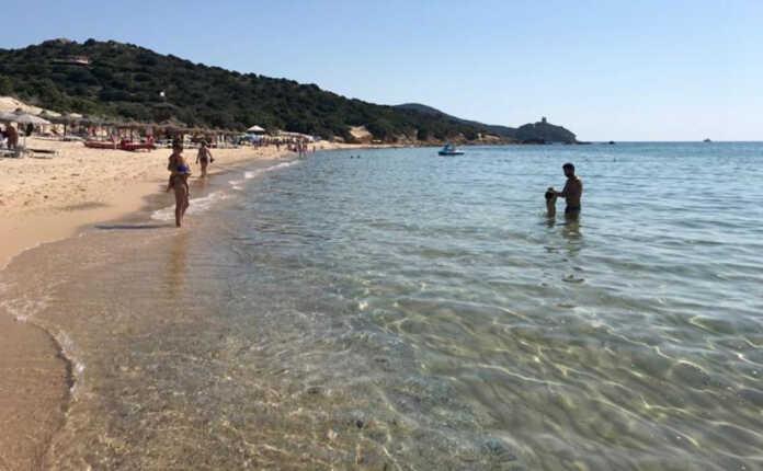 Italian police fine tourists in Sardinia
